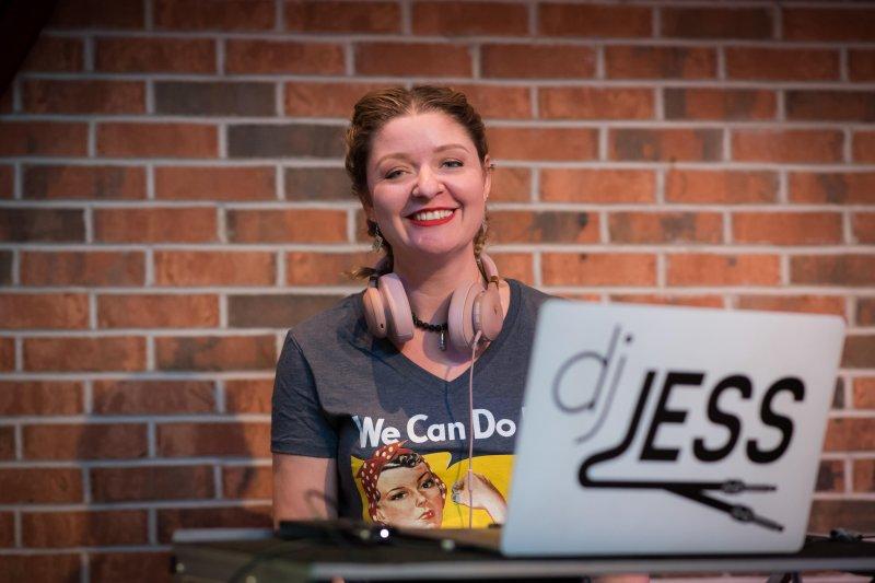 Edinboro alumna finds success as a mobile DJ by Dylan Baumgartner