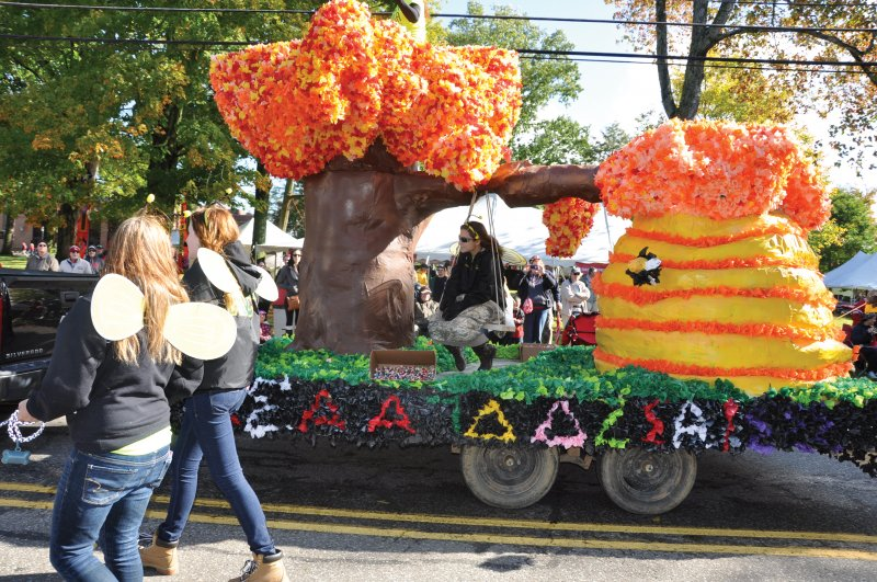 Creating parade floats is artistic, fun group activity by Anna Ashcraft