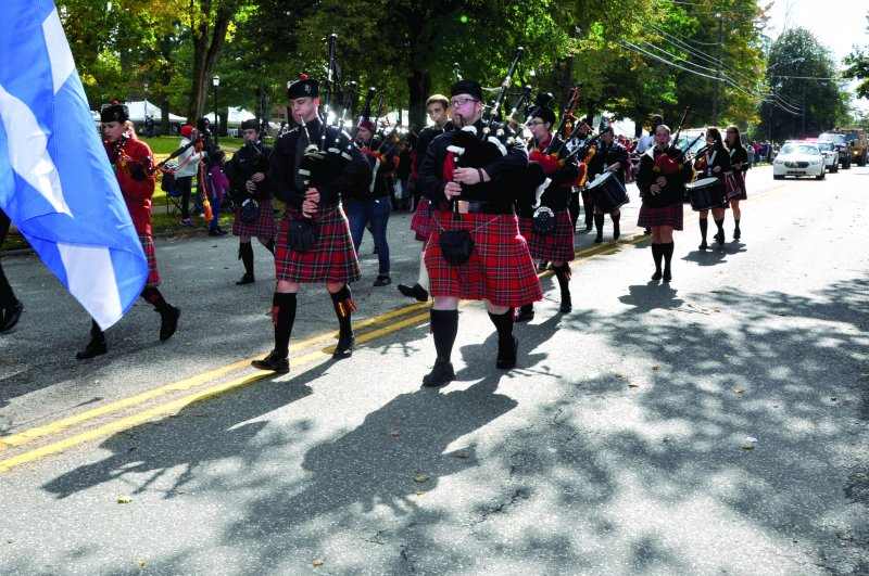 Live: Homecoming 2015 Parade by Edinboro Television