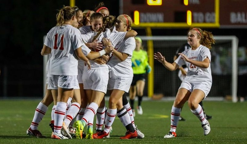 Soccer beats Cal's stifling defense in 1-0 victory by Michael McLaughlin