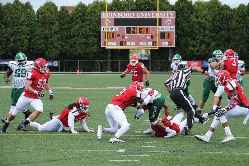 Edinboro Fighting Scots wear down Lake Erie College to win season opener by Mike Lantinen