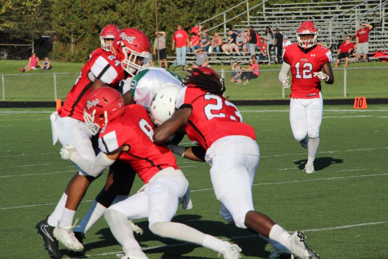 Football upsets 'Hurst as they get back in the winning groove by Mike Lantinen