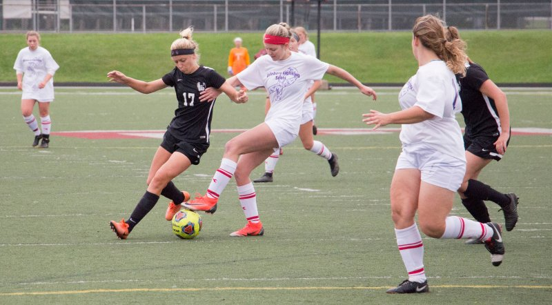 Soccer streak at 3 with weekend wins by Erica Burkholder