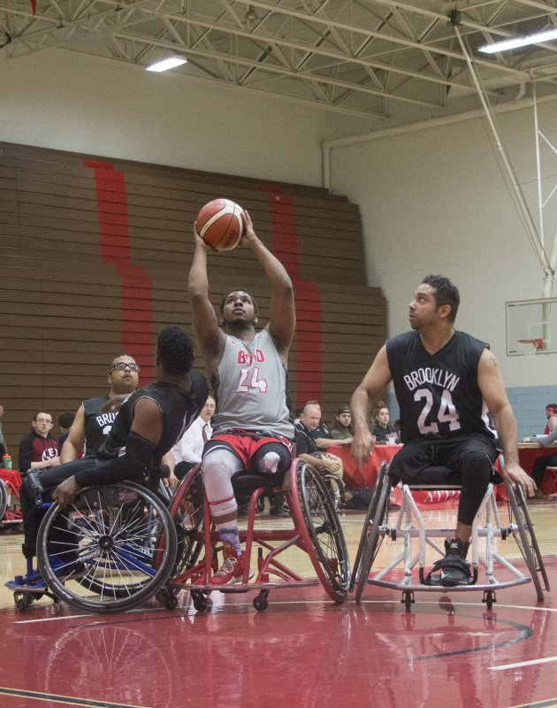 Wheelchair basketball team returns from Illinois with no wins by Erica Burkholder