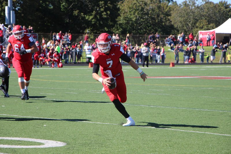 Edinboro falls to Grand Valley State 35-10 in opener by Chase Rowland