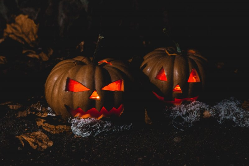VOICES: Trick-or-treating during a pandemic — How do we stay safe? by Emma McNeeley